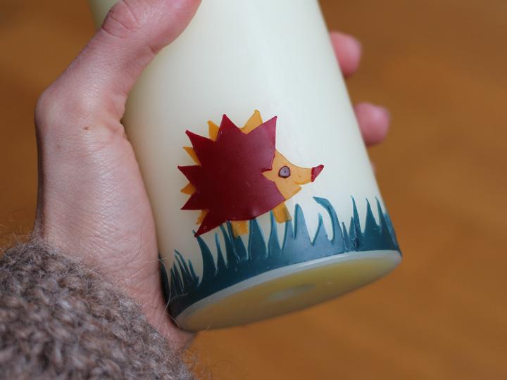 DIY Taufkerze: Wachs auf Kerze übertragen